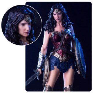 Iron Studios - Batman v Superman - Wonder Woman statue